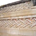 Mosaik laufender Hund in Mitla